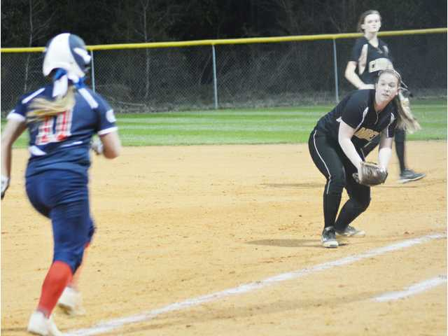 Lightning, rain force suspension of L-E vs. Camden softball game