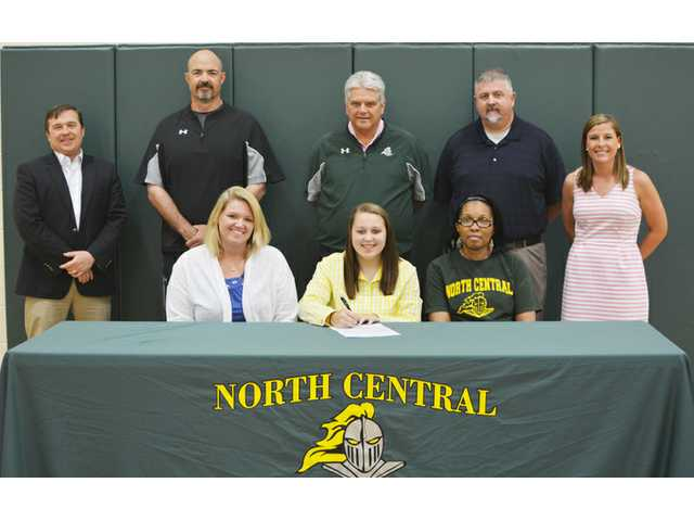Versatile McCaskill signs to play softball for Stingers