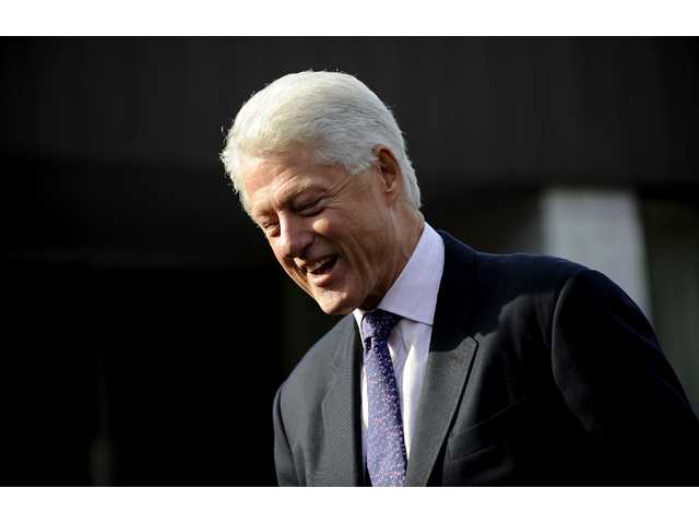 Bill Clinton at the UN applauds Ebola success