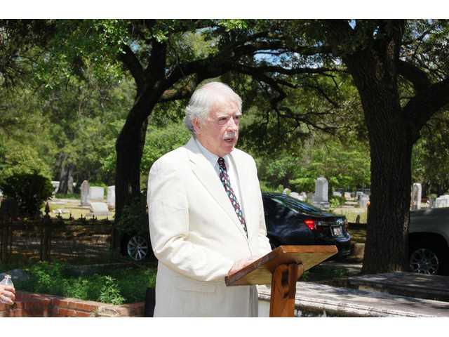 UDC dedicates grave markers at Quaker Cemetery