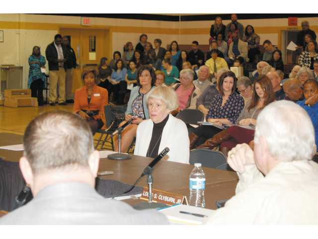 Hundreds turn out for board meeting at Mt. Pisgah