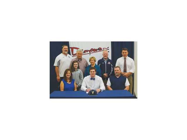 Galloway signs to play baseball at FDTC