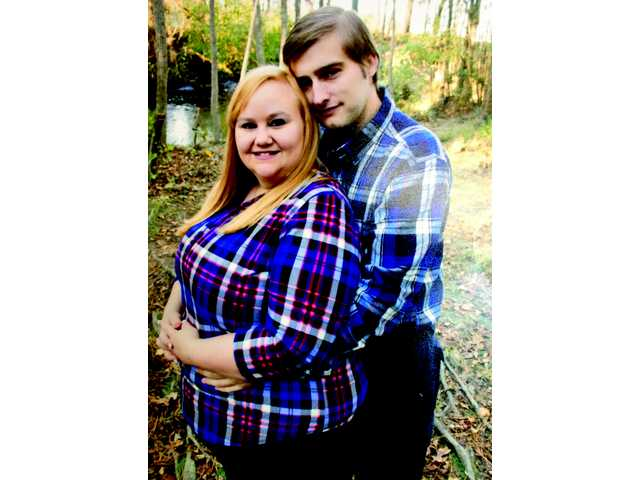 Horton and Holloway to wed in March