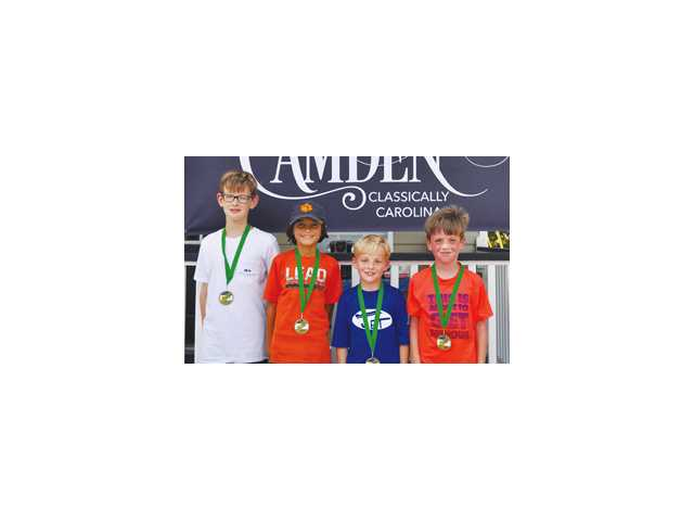 Smoak wins tennis title on familiar court