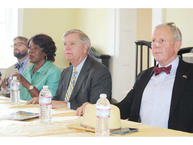 Sen. Graham meets with local leaders
