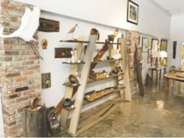 THE SWAMP LOG Artisans Gallery opens in Bishopville