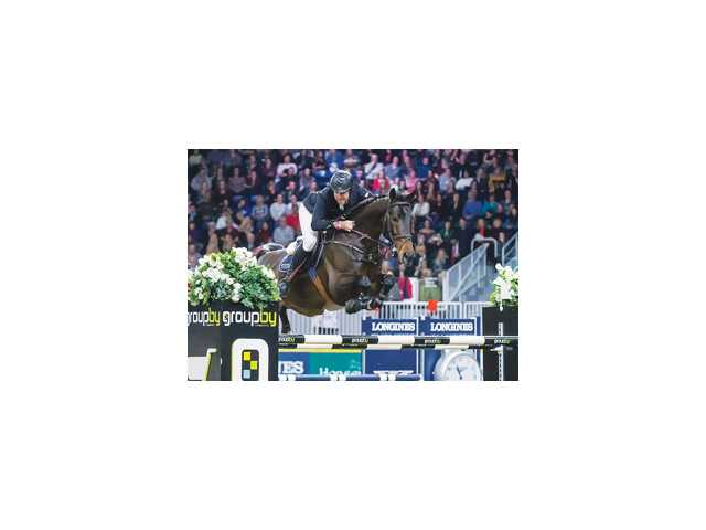 Towell and mount Lucifer V claim a 'royal' victory in Toronto event