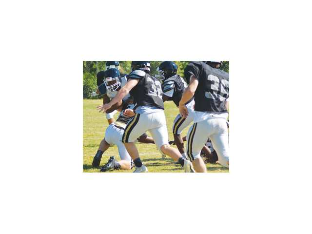 Bulldogs' spring game centerpiece of busy Friday night of football at CHS