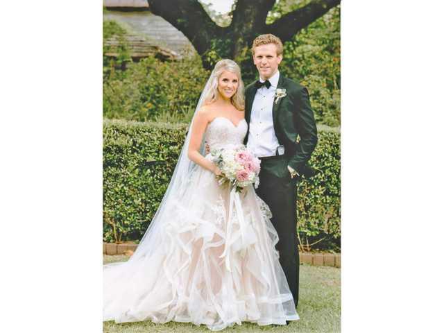 Erin Ashley Morrow marries Garrett Logan Ruth