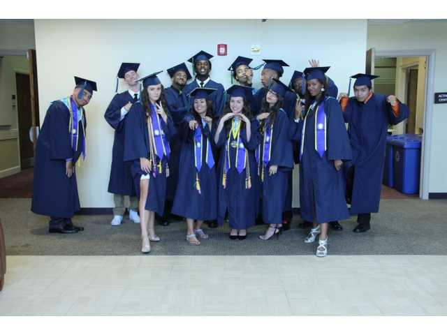 Carter, Eggleston keep FPCA grads laughing