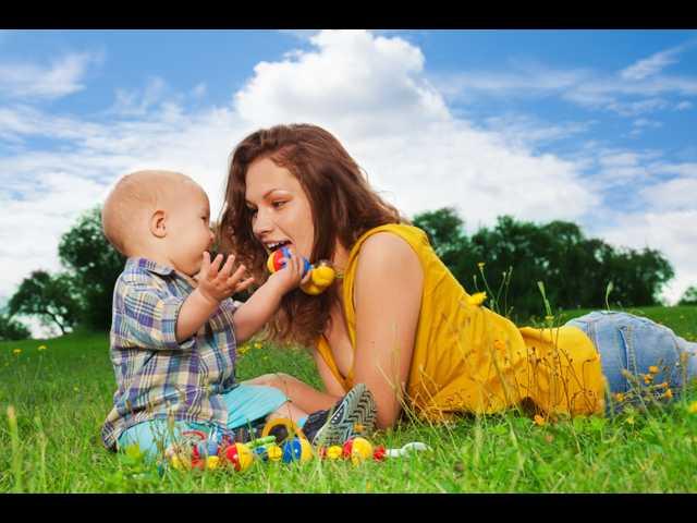 стройная мамочка соблазняет сына