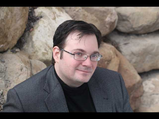 Read chapters of Brandon Sanderson's latest novel online for free