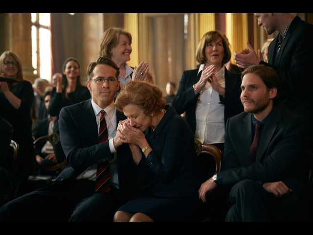 Mirren and Reynolds explore the nature of motive in 'Woman in Gold'