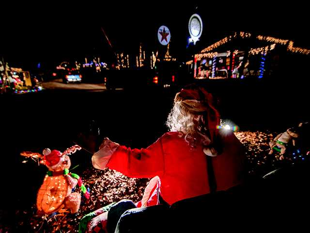 TMT Farms light display continues as important holiday attraction in the Boro