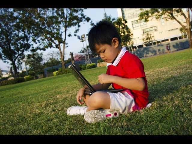 4 ways to help your kids unplug