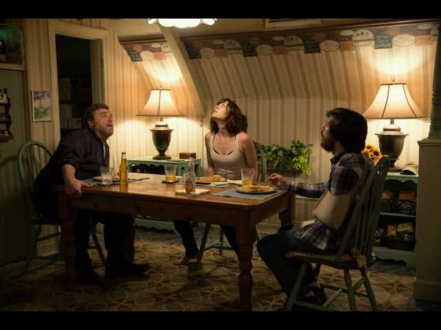 '10 Cloverfield Lane' is the creepiest surprise of the year