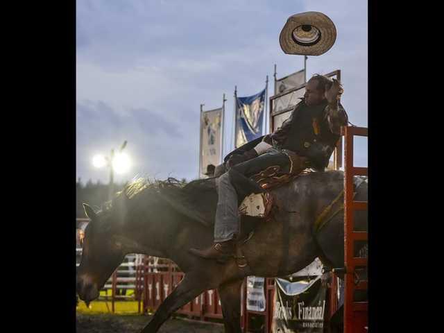 "No ""yee haws"" necessary to enjoy Statesboro Kiwanis' sixth annual rodeo"