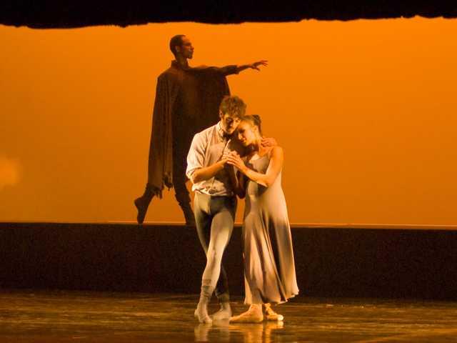 Dracula: Suspense. Horror. Dance?