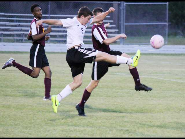 SEHS soccer teams sweep New Hampstead