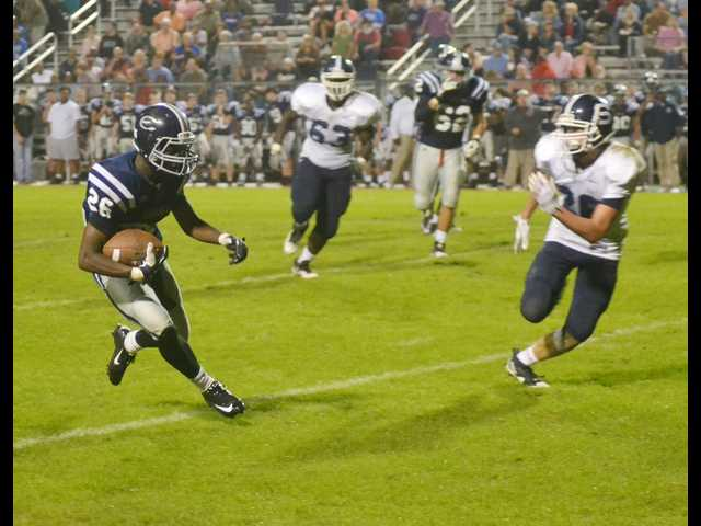Convincing win closes out season for Rebels