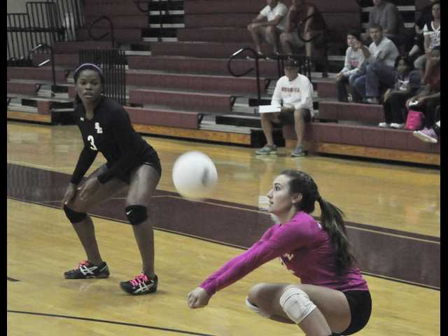 SEHS falls to Harris County in sweep to end season