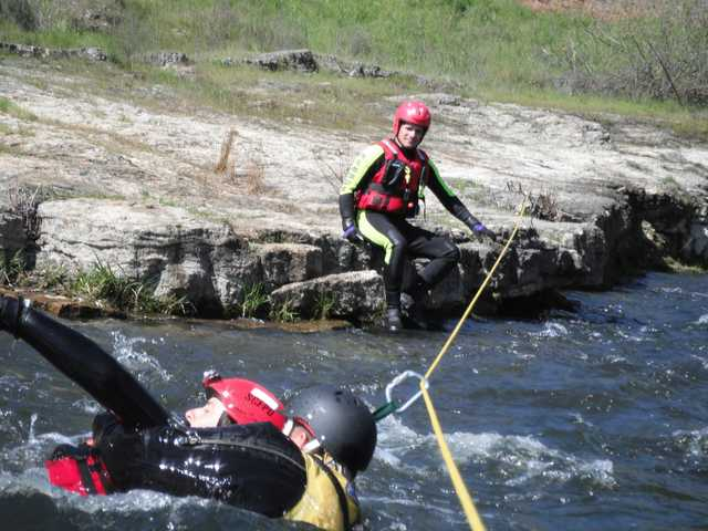 RESCUE TEAMS TRAIN