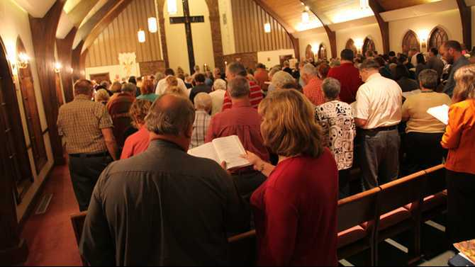 Ecumenical service brings churches together for Thanksgiving service