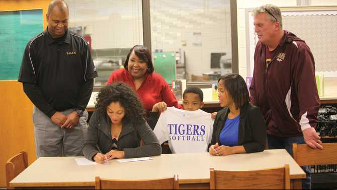 Mitchell signs with Savannah State