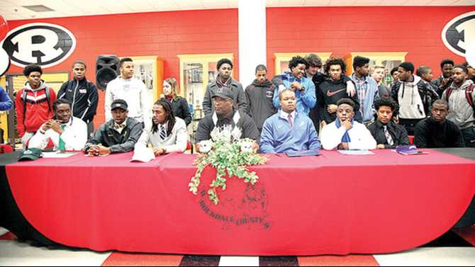PHOTOS: 7 Bulldogs sign on National Signing Day