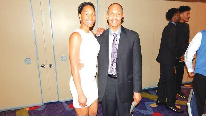Salem's Mitchell honored at Naismith Award Banquet