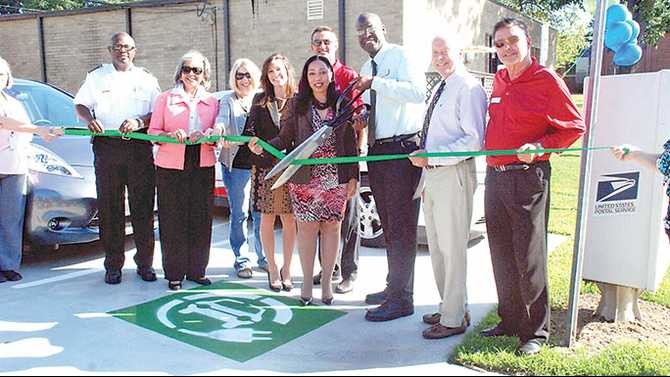 It's Electric: Rockdale unveils electric vehicle charging station