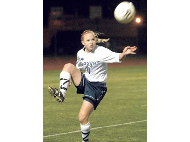 Foothill League Girls Soccer Preview: Local teams set their sights on Saugus