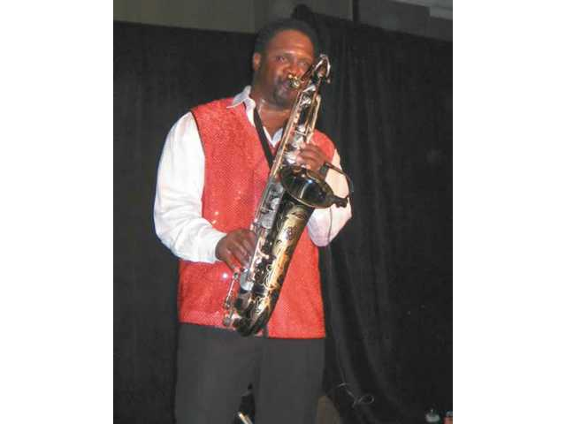 Everette Harp wowed the audience with his saxophone skills.