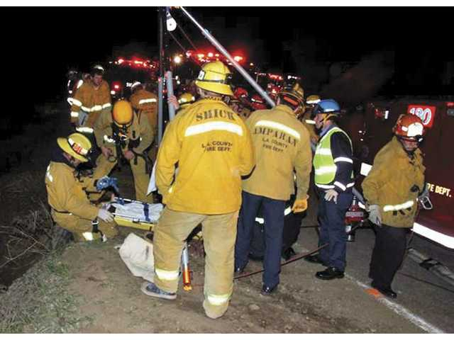 Man dies, girl injured in Sand Canyon crash