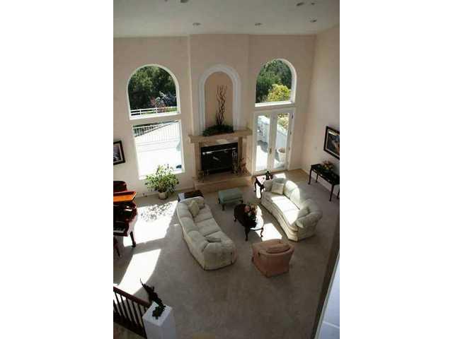 Living room 3.