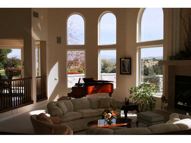 Living room 2.