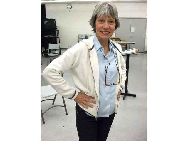 Saugus teacher overcomes cancer, returns to teach drama
