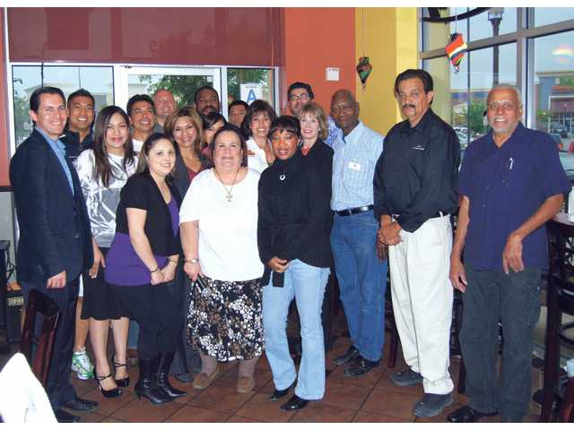 SCV Chamber of Commerce Hispanic Business Committee members gathered at a special mixer hosted April 2 at Una Mas restaurant in Canyon Country.