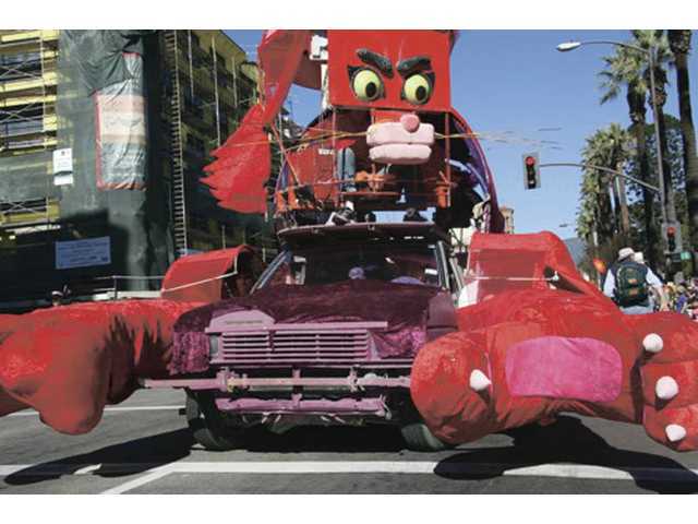 "The ""Boo-Boo Kitty"" float will once again be part of the Doo Dah Parade, coming to Pasadena Saturday."