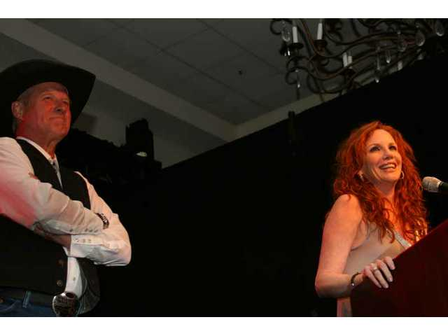 Past Walk of Western Stars inductees Bruce Boxleitner and Melissa Gilbert introduce 2008 honoree Jack Lilley.