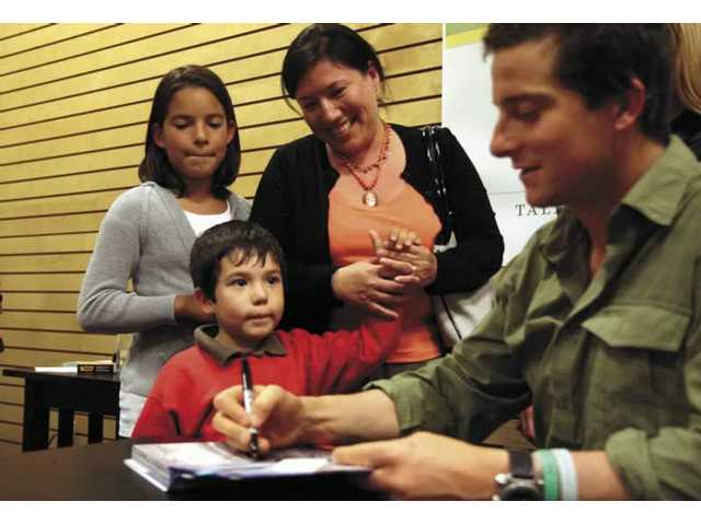 Discovery Channel's Bear Grylls meets fans in Valencia