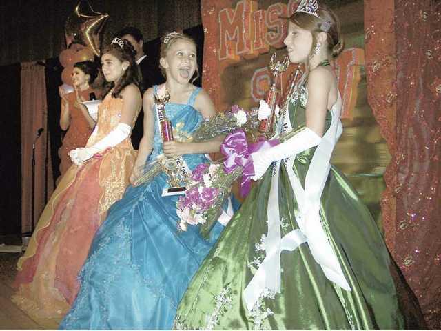 Left to right, Little Miss SCV Collette Heydari, Little Miss SCV First Princess Treslei Rosale and Little Miss SCV Second Princess Aurora Santana-Garcia.