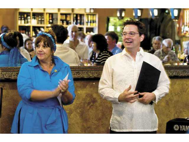 Andrea Slominski and Mark Salyer emceed the salon at All Corked Up on Sunday. The event raised funds and awareness of The Theatre Project SCV. There will be two more salons, on June 29 and July 20.