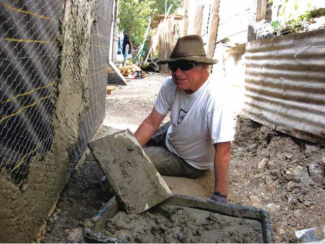 'Men at work' build homes in Mexico