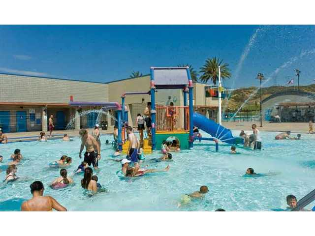 The Santa Clarita Aquatics center in the center point parkway center where families from all over the SCV, SFV and Antelope Valley came to spend their Sunday afternoon.