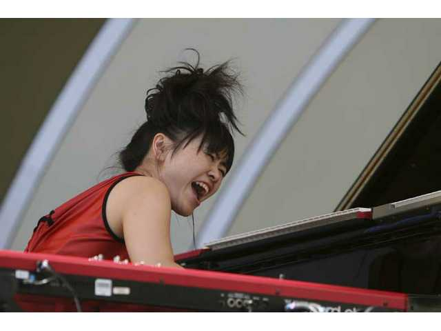 From Japan, Hiromi and her quartet Sonic Bloom explode on the Hollywood Bowl stage. Her second Playboy Jazz Festival appearance is much more assured than her 2006 debut.