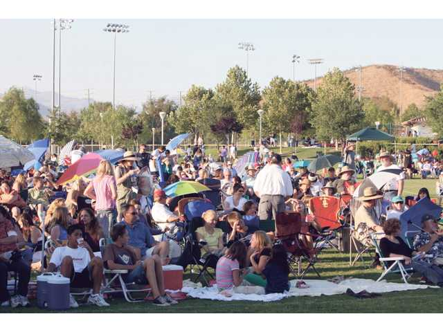 Santa Clarita packs Central Park for a free concert every Saturday night this summer.