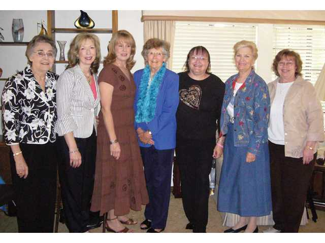 Philanthropic Educational Organization members, from left: Doris Lauffer, Kathleen Gill, Anita Seibert, Carolyn Ritchie, Nancy Coulter, Layne Bresee, and Kay Moioffer.