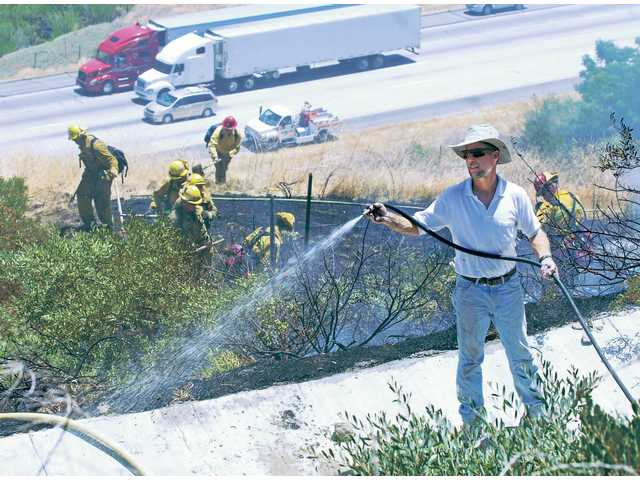 Castaic brush fire doused