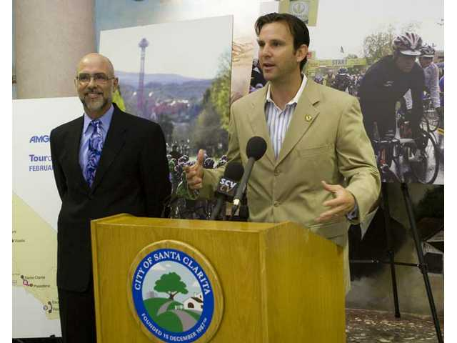 Assemblyman Cameron Smyth (center) joins Ken Pulskamp, Santa Clarita city manager, at City Hall this  morning to announce the return of the Amgen Tour of California cycle race to the Santa Clarita Valley in February 2009.